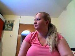 Rubia BBW hace sexo por webcam,