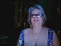 abuela rusa ex profesor parpadeando sus grandes tetas en webcam