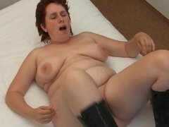 Going down on mature pussy excites the lady for his dick - Silvy