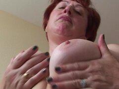Chick madura gorda masturba su castor y chupa schlong de guy - Emilia