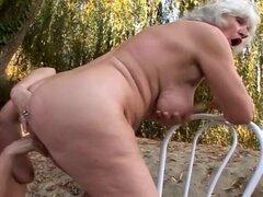 abuelas lesbianas follando al aire libre