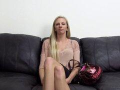 Vagina apretada de Josie cubierto de semen después de una sesión de sexo - Josie