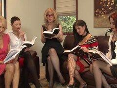 Mujer madura rubia legendario está en medio de un fivesome lesbiana - Nina Hartley, Kali Karinena, Erica Lauren, joya de Coralyn, Sable Renae