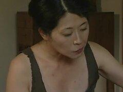 Caliente pareja japonesa follando mientras su vecino