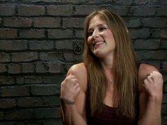 Acción de lesbianas BDSM para delito tetona con digitación y juega