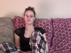 esposa de casa suburbana que desnuda por primera vez en video,