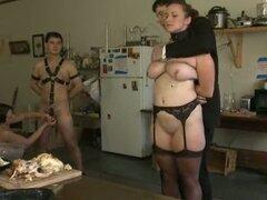 Algunos swingers mente sucias trata de alguna acción de BDSM