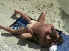 Mayores playa follar episodio de par atrapados en Voyeur, cámara de mayores playa fuck película par desnudo captado por la cámara de voyeur.