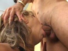 2 Milfs brasileño - morena con grandes clítoris. 2 Milfs brasileño - morena con grandes clitoris