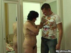 Su mamá vieja coño peludo y su marido hacer trampa. Su mamá vieja coño peludo y su marido hacer trampa sexual